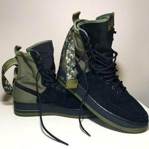 Men's Nike Air Force 1s Boot Sz 10.5